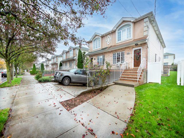 [Georgetown Real Estate, listing number 6972650]