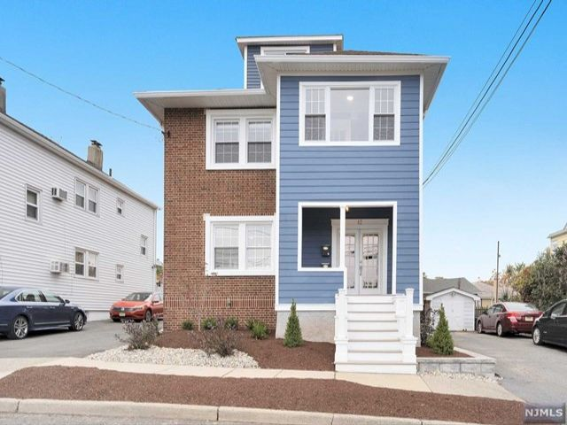 2 BR,  2.00 BTH  2 family style home in Nutley