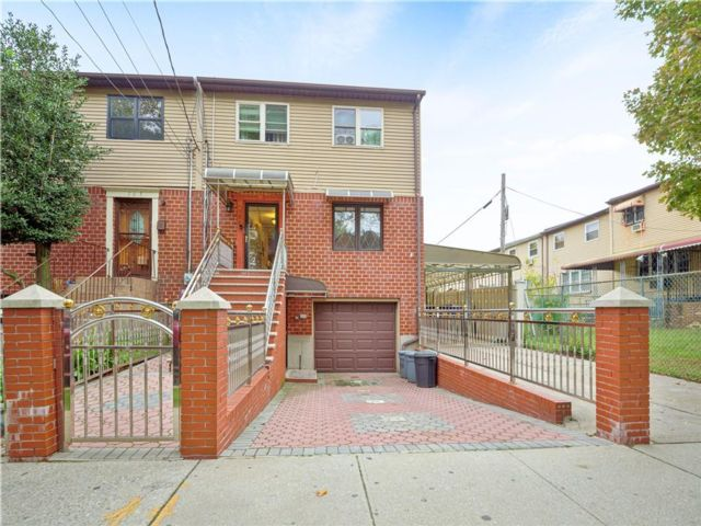 3 BR,  3.00 BTH Single family style home in East New York