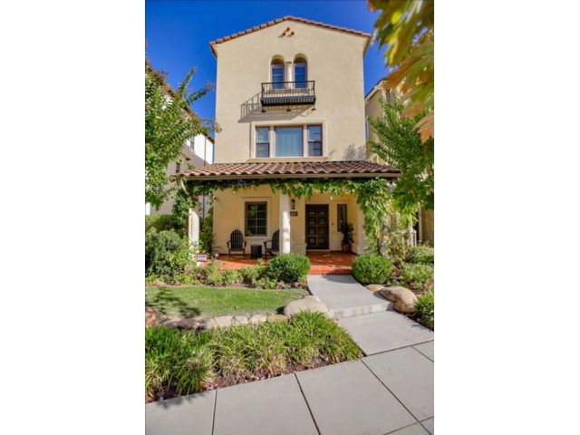 4 BR,  3.50 BTH Mediterranean style home in Mountain View