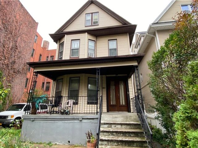 [Flatbush Real Estate, listing number 6972910]