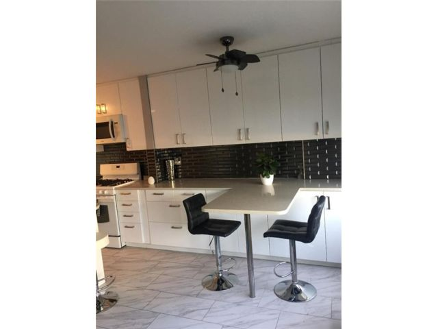 3 BR,  2.00 BTH Co-op style home in Gravesend