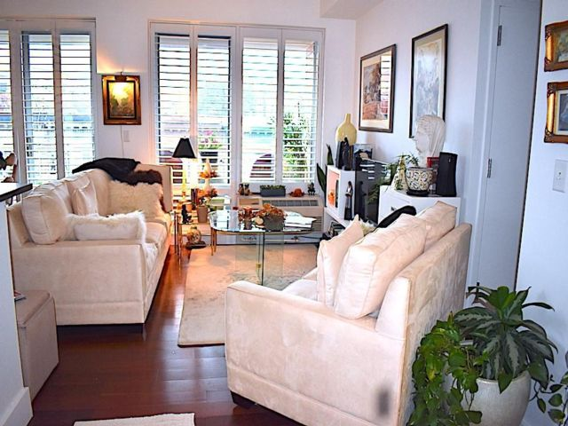 2 BR,  2.00 BTH Condominium style home in Ditmas Park