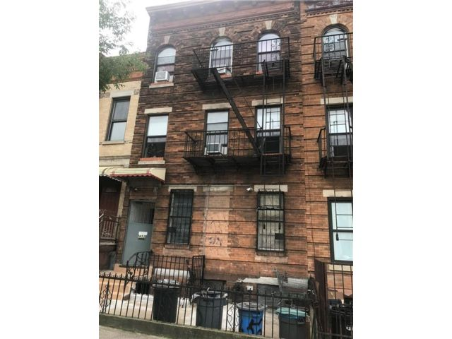 11 BR,  6.00 BTH  Multi-family style home in Sunset Park
