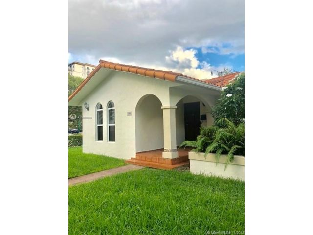 2 BR,  2.00 BTH  style home in Coral Gables