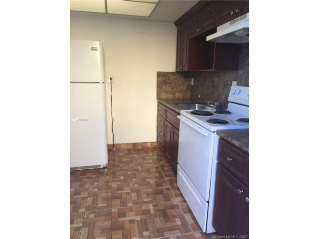 2 BR,  1.00 BTH   style home in Biscayne Park