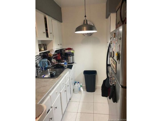 1 BR,  1.00 BTH   style home in Hallandale
