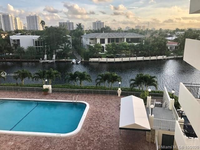 2 BR,  2.00 BTH   style home in Hallandale