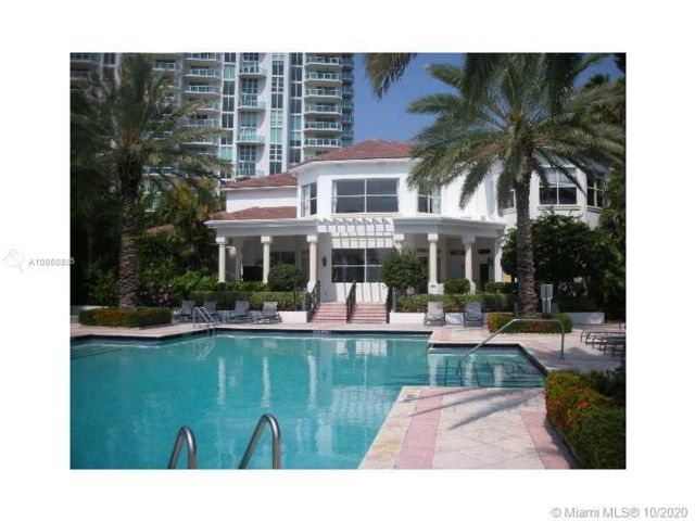 2 BR,  1.50 BTH   style home in Aventura