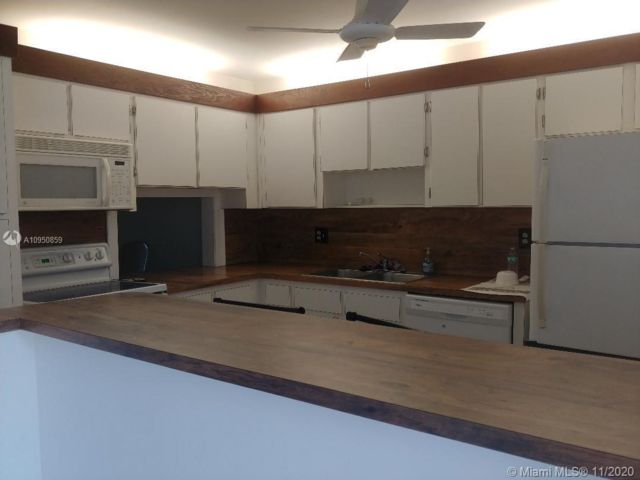 2 BR,  2.00 BTH  style home in Cooper City