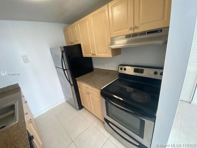 1 BR,  1.00 BTH   style home in Biscayne Park