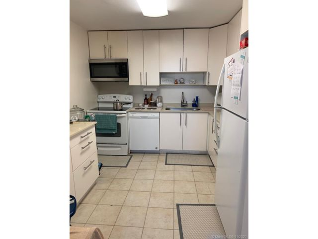 2 BR,  2.00 BTH   style home in Biscayne Park