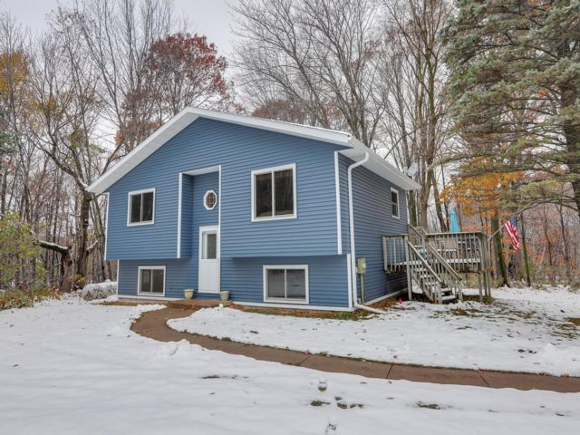 3 BR,  1.00 BTH 2 story style home in Scandia