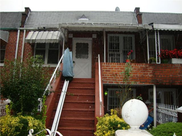 3 BR,  2.00 BTH  Multi-family style home in East Flatbush