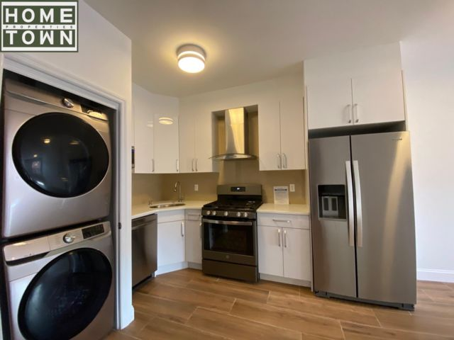 3 BR,  3.00 BTH Rental style home in Clinton Hill