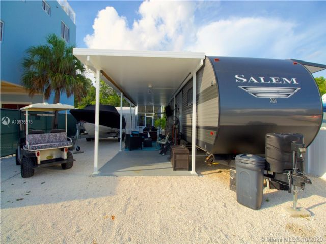 2 BR,  1.50 BTH  style home in Key Largo