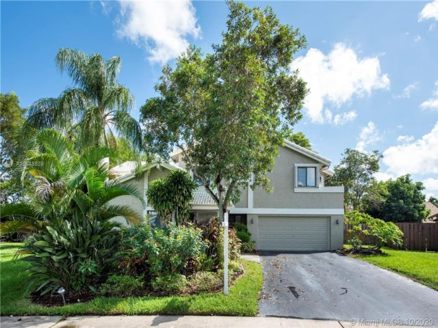 4 BR,  3.00 BTH  style home in Fort Lauderdale