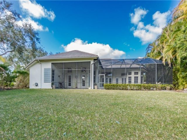6 BR,  3.50 BTH  style home in Coral Springs