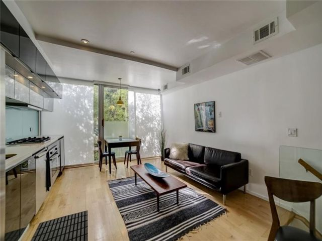 1 BR,  2.00 BTH  Condominium style home in Prospect Heights