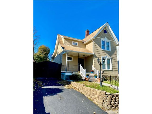 3 BR,  2.00 BTH 2 story style home in Middletown