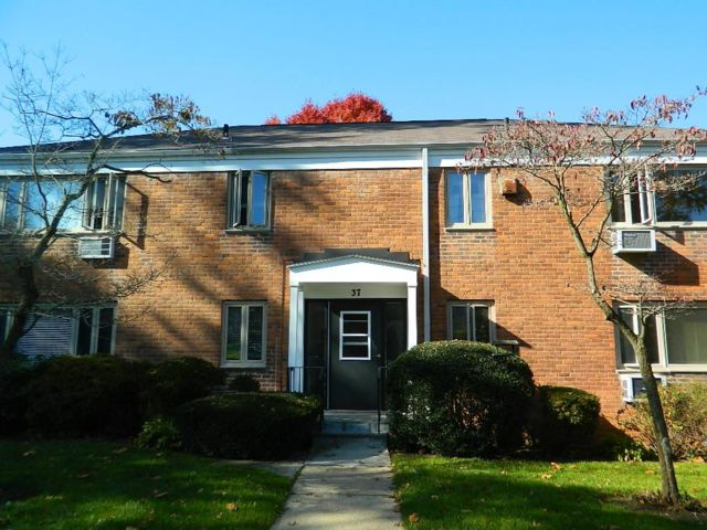 3 BR,  1.00 BTH Co-op style home in White Plains