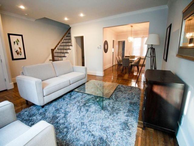 3 BR,  2.50 BTH Single family style home in Midwood