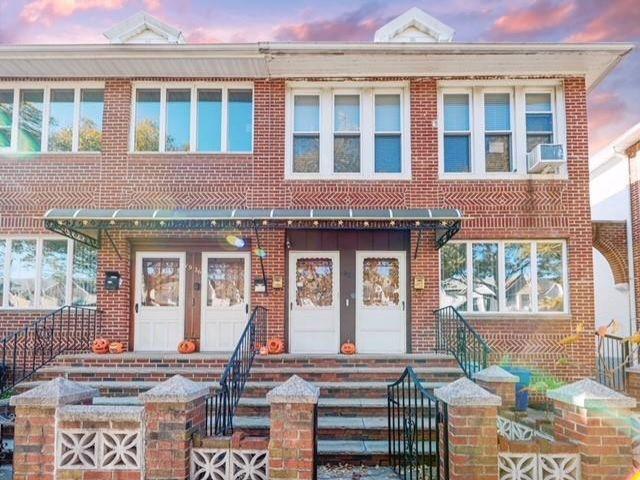 5 BR,  0.00 BTH Multi-family style home in Bensonhurst