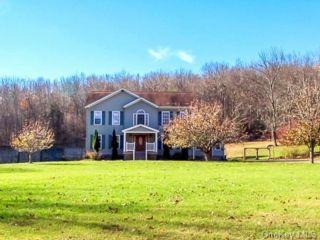 3 BR,  4.00 BTH  Colonial style home in Fallsburg