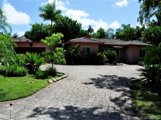 3 BR,  2.00 BTH  style home in Fort Lauderdale