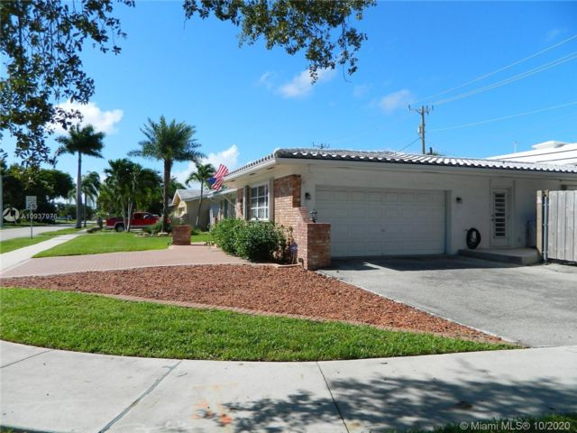 3 BR,  3.00 BTH  style home in Fort Lauderdale