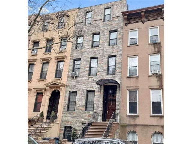 8 BR,  0.00 BTH  Multi-family style home in Carroll Gardens