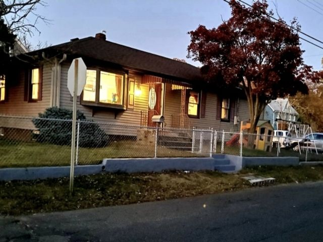 3 BR,  1.00 BTH Ranch style home in Keansburg