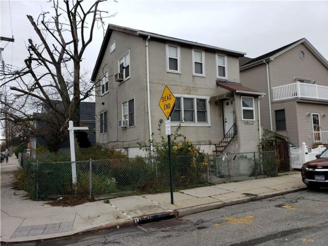 2 BR,  2.00 BTH  Single family style home in Gerritsen Beach