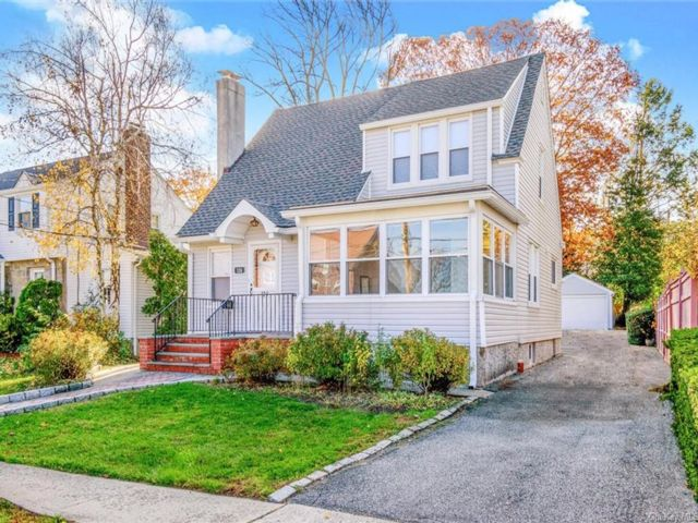 3 BR,  2.00 BTH Cape style home in Yonkers