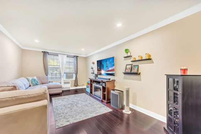 2 BR,  1.00 BTH  Coop style home in Jackson Heights