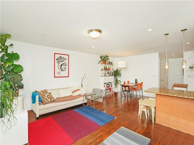 2 BR,  3.00 BTH Condominium style home in Rockaway Park