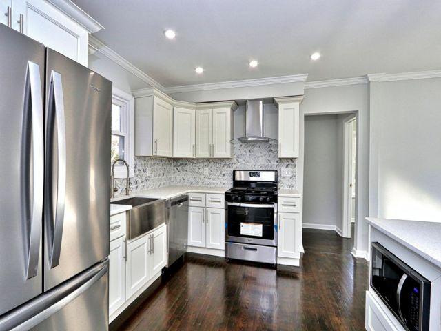 5 BR,  3.00 BTH Colonial style home in Westfield