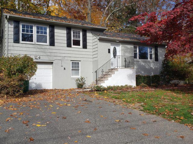 3 BR,  1.00 BTH Split-level style home in Livingston