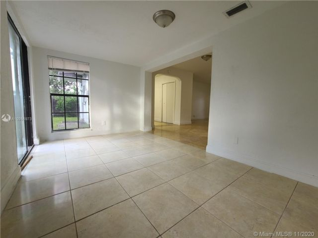 3 BR,  2.00 BTH  style home in Pembroke Pines