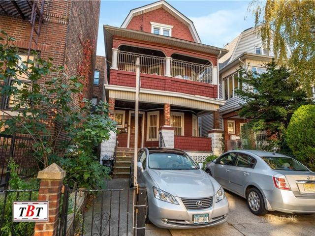 Studio,  5.00 BTH Multi-family style home in Midwood