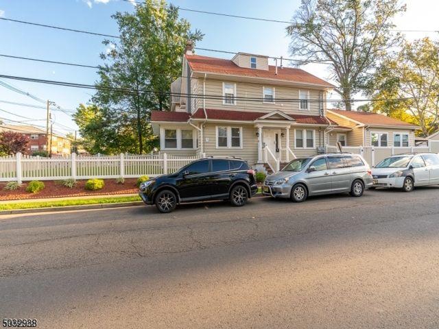 8 BR,  5.50 BTH Multi-family style home in Elizabeth