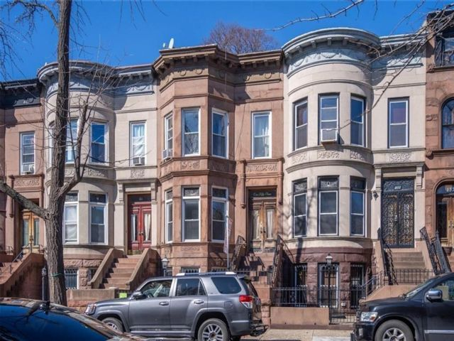 7 BR,  0.00 BTH Multi-family style home in Bedford Stuyvesant
