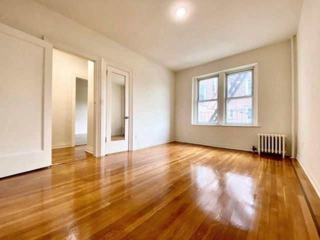 1 BR,  1.00 BTH Apartment style home in Flushing