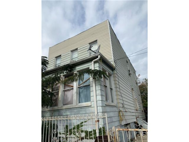 [Flatbush Real Estate, listing number 6975296]