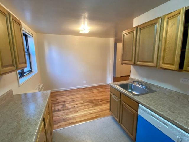 2 BR,  1.00 BTH   style home in Forest Hills