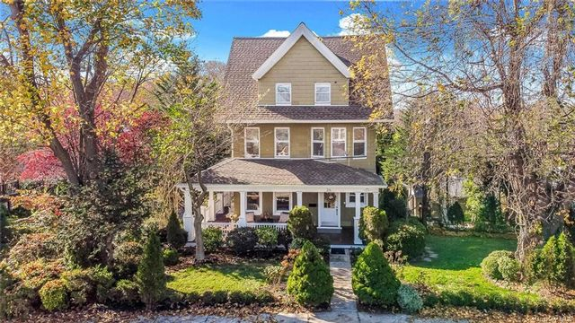 6 BR,  3.00 BTH  Victorian style home in New Rochelle