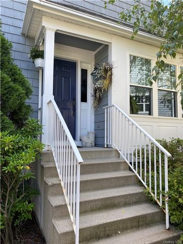 2 BR,  3.00 BTH  Townhouse style home in Ossining