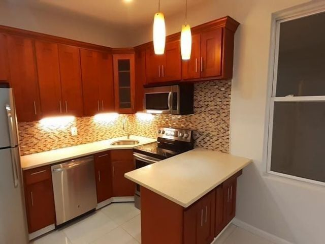 3 BR,  1.00 BTH Multi-family style home in Clarement