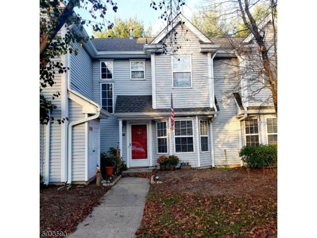 2 BR,  2.50 BTH  Townhouse-inter style home in Pompton Plains