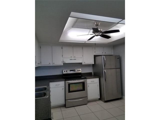 2 BR,  1.00 BTH  style home in Hollywood